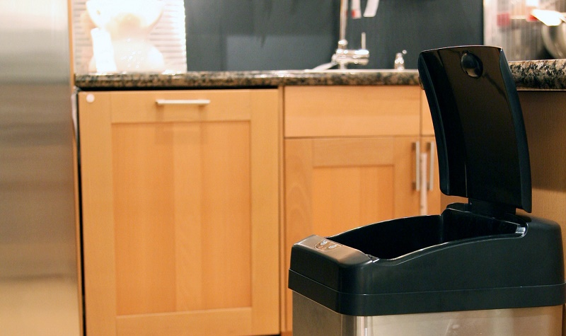 best automatic trash can reviews
