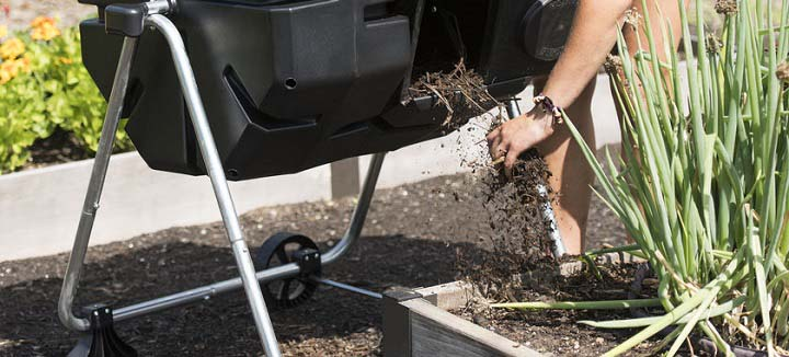Cheaper Gardening With A Compost Tumbler