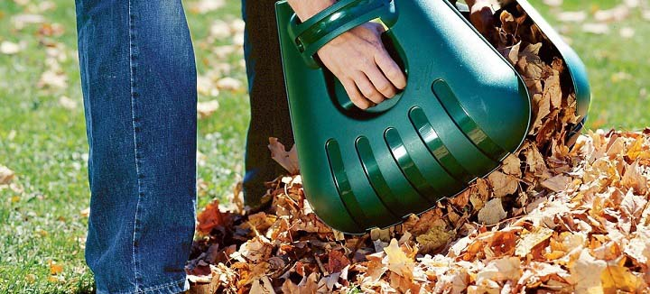 Efficient Gardening With The Best Leaf Scoops